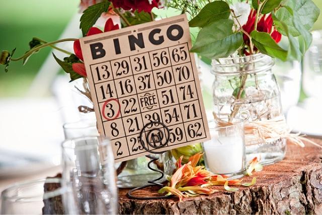 Mesero en cartón de bingo número 3
