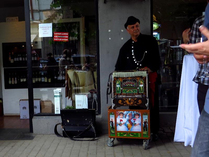 Tbilisi organ grinder