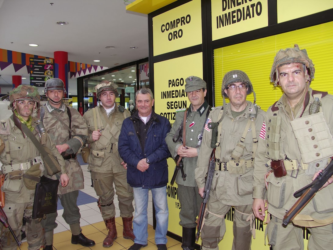 """EXHIBICION EN EL CENTRO COMERCIAL """"PUERTA DE TOLEDO"""". PICT0078"""