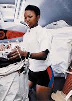 mae jemison, primera astronauta afroamericana, astronauta negra, mission specialist