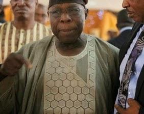 Obasanjo  reportedly shuns  PDP secret  meeting .