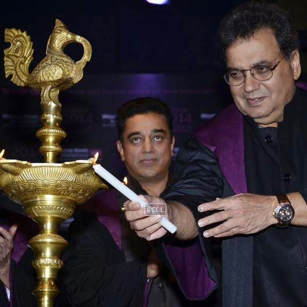 Bollywood filmmaker and founder Whistling Woods International Subash Ghai and actor Kamal Hassan during Whistling Woods International's 7th Annual convocation in Mumbai. (Pic: Viral Bhayani)
