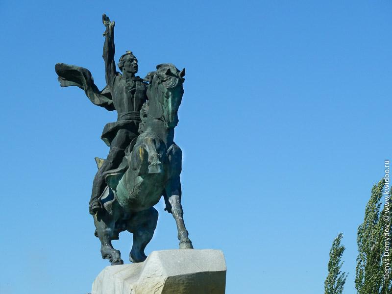 Памятник Александру Суворову в Приднестровье