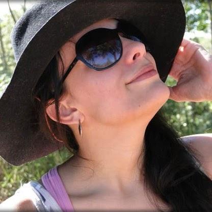 Luana Adriano Photo 2