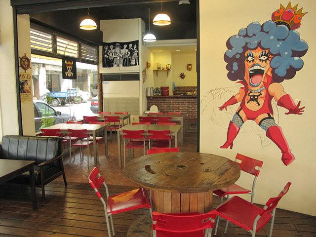 牆上的人妖王伊娃是老闆親手繪製,也太有才了吧!-LV5.5 新人類樂園海賊王主題餐廳