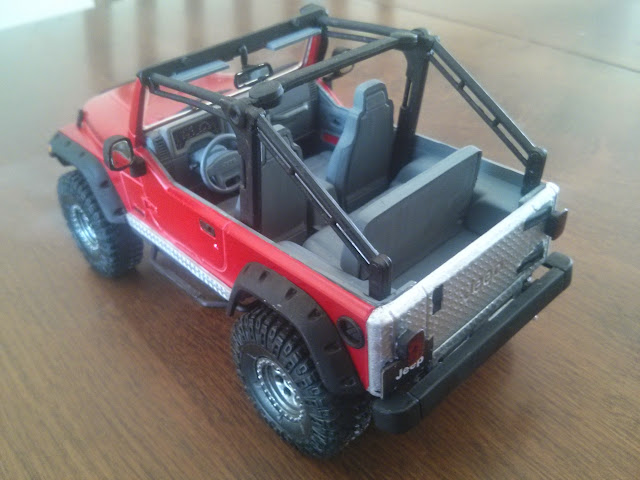 Revell Jeep Rubicon 2003 IMG_20150306_141316