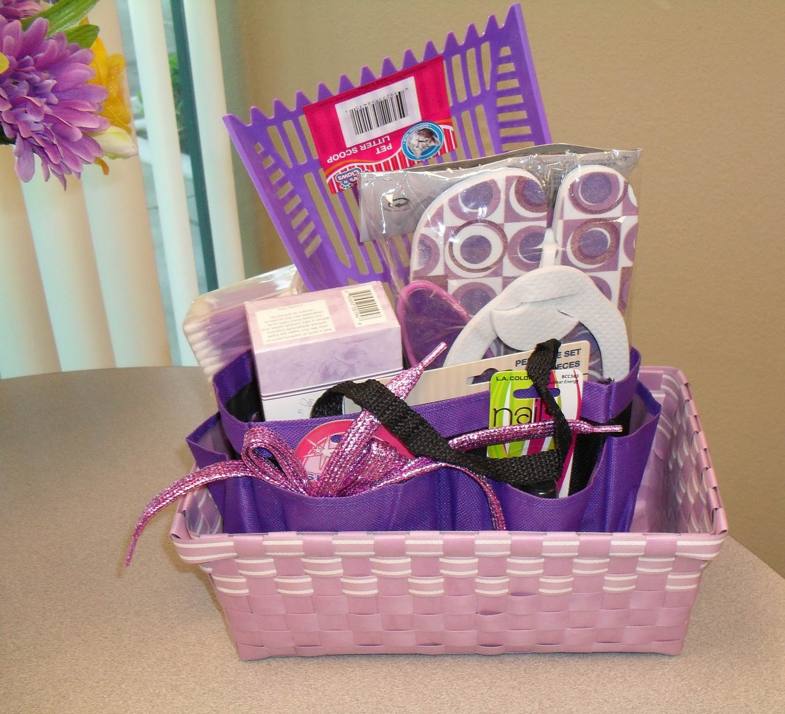thedollarstorediva: Dollar Store Gift Baskets -- Always a Hit!