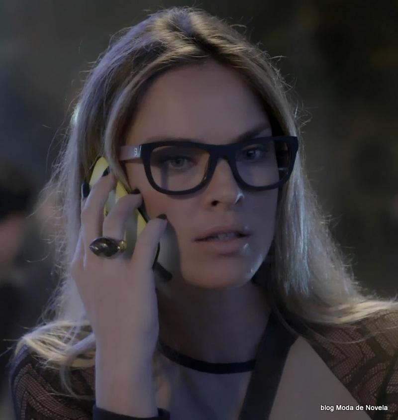 moda da novela Império - óculos da Érika dia 24 de julho