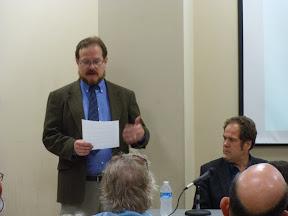 Thomas Nephew welcomes audience to forum