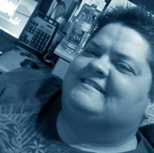 Laura Downs Photo 27
