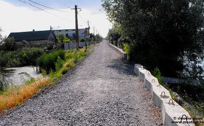 drumul principal din satul Crisan