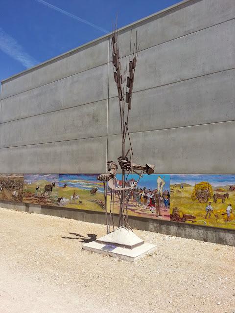 Escultura homenaje a los agricultores,Valladolid,de Tordolín