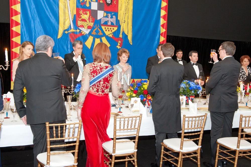 Ceremonie de decorare și dineu la Palatul Elisabeta. Principesa Maria a primit Marea Cruce a Ordinului Coroana României