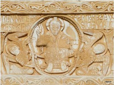 Partie centrale du linteau - Christ en Majesté