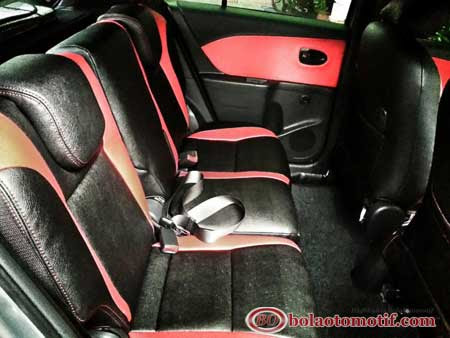 modifikasi toyota yaris interior 2