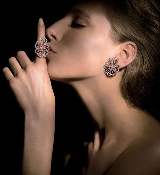 10 mẫu trang sức đá quý xa hoa nhất