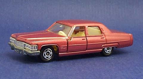 Cadillacs! Tof02-1cadillacfleetwoodbrougham-b