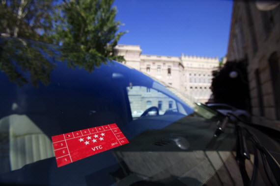 Pegatinas para identificar a los vehículos de alquiler con conductor