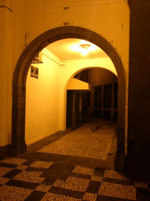 """a night view to """"beco de s. sebastião"""""""