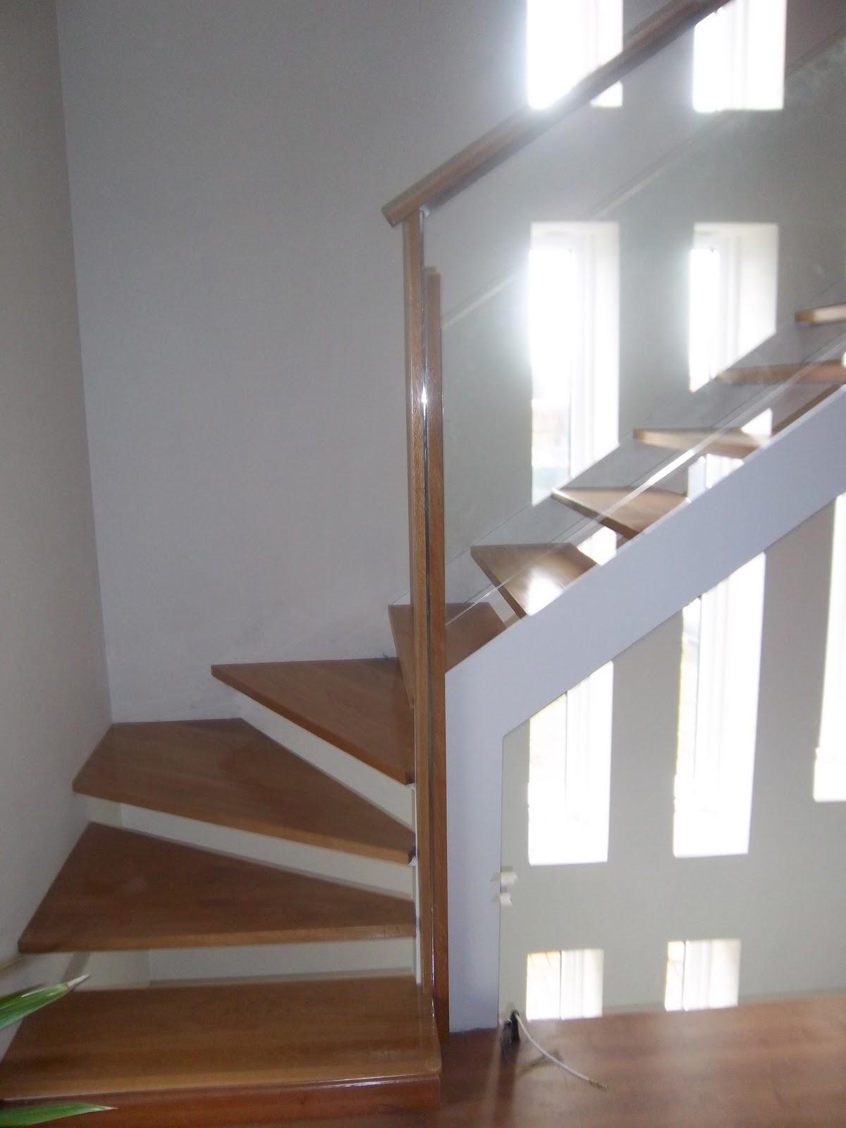 Norbel carpinteria met lica y acero inoxidable escalera con estructura de hierro y acero inox - Escaleras de cristal y madera ...