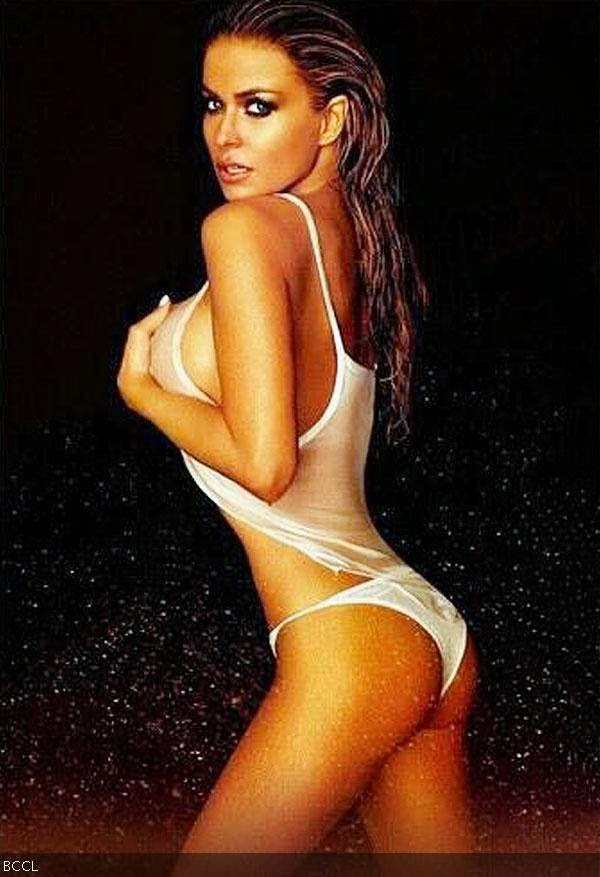 Carmen Electra: Carmen Electra is one of the astonishing models with her hot and sizzling assets. She gets a high position in the list of best body.