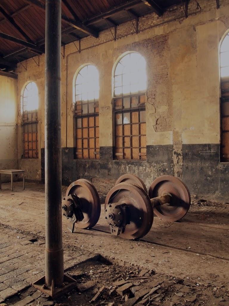 Onlangs gerestaureerd door boei kleine wagenloods spuiterij toilet wagenloods originele houten - Industrieel verblijf ...