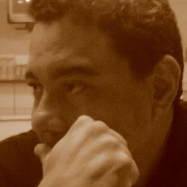 Regivan Hugo Nunes Santiago