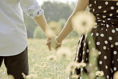 Thơ tình 8 chữ viết về tình yêu đôi lứa