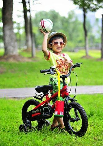 Xe đạp trẻ em FreeStyle RoyalBaby RB12B-6-RED phù hợp với trẻ em từ 2 đến 5 tuổi