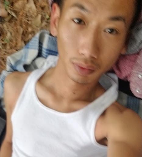 Tony Som Photo 9