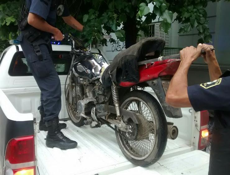Las motos y los delitos, de la mano: Un herido grave y varios detenidos en los policiales de la semana