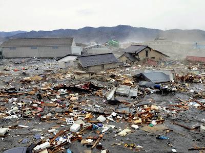 foto dan video gempa disusul tsunami di jepang