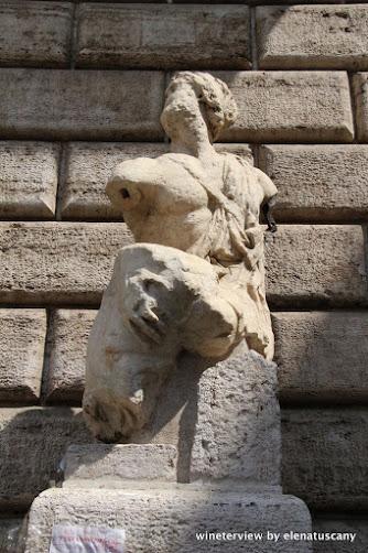 piazza pasquino, parlante pasquino, pasquino, pasquino roma, roma, roma segreta, statua greca