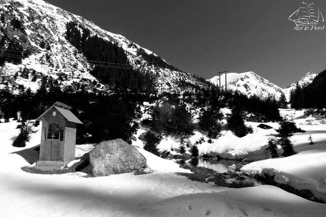 peisaj alb negru transfagarasan
