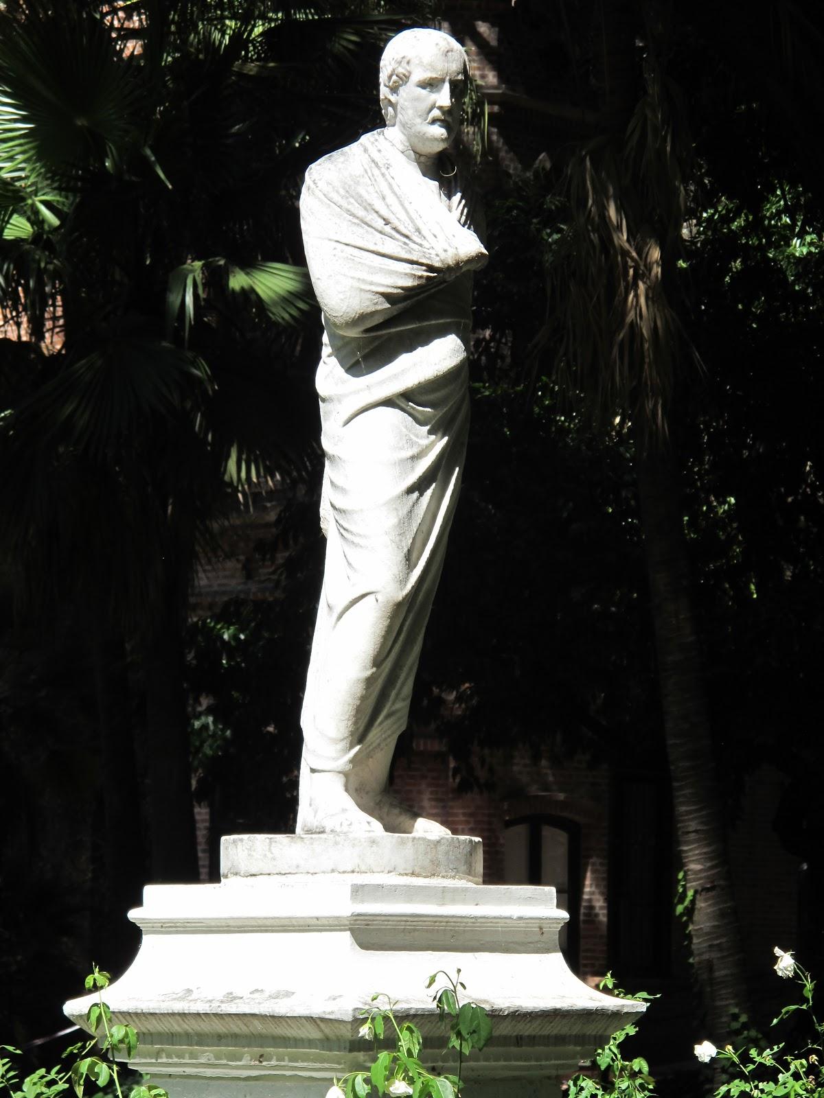 Edificios y monumentos de buenos aires estatua de - Estatuas de jardin ...