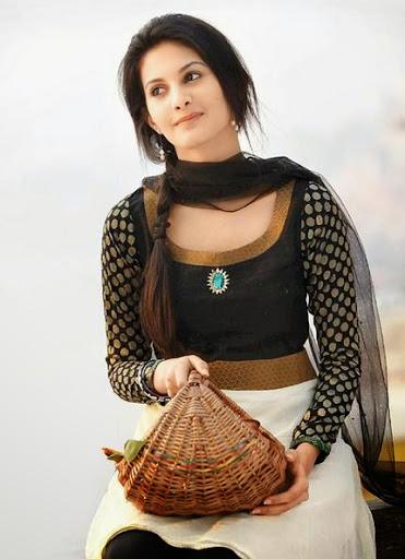 Amyra Dastur Photos
