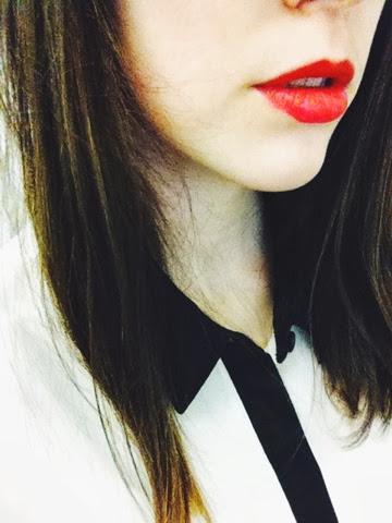 red lips lipstick fashion