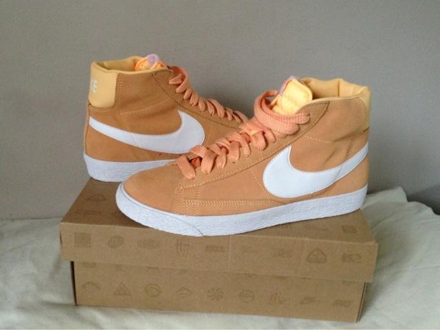 Melon Nike Blazers
