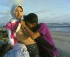 Jilbab Mesum Di Tepi Pantai Video Bokep Sex Terbaru