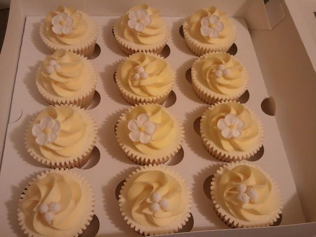 Cupcakes  الكعك ((فقط من أمواج )) صور  2011-05-05%25252021.16.15