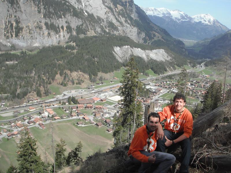 Aitor y Santos de excursión en el centro scout de Kandersteg
