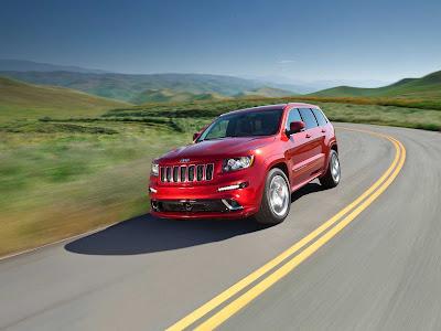 Jeep-Grand_Cherokee_SRT8_2012_1600x1200_Front_Angle_03