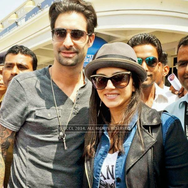 Indo-Canadian star Sunny Leone will be seen doing a double role for the first time in Bobby Khan's upcoming flick Leela. Leone reached Sun City Jodhpur with her husband Daniel Weber to shoot for the film.