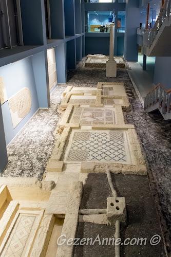 müzenin zemin katındaki hamam ve Mars heykeli, Zeugma Gaziantep