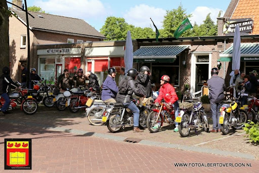 oldtimer bromfietsclub De Vlotter overloon 02-06-2013 (35).JPG