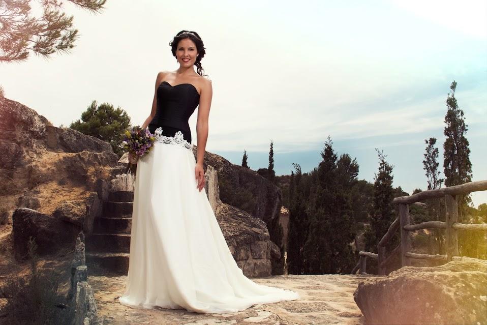 Vestido de Novia con corset en negro