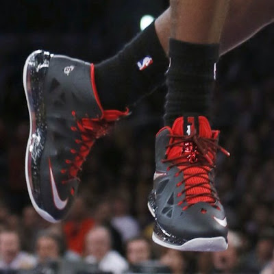 nike lebron 10 pe matte black 1 03 PE Spotlight: James Brings Down Lakers in new LBJ X Away PE