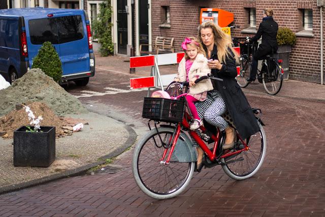 Chatten auf dem Fahrrad