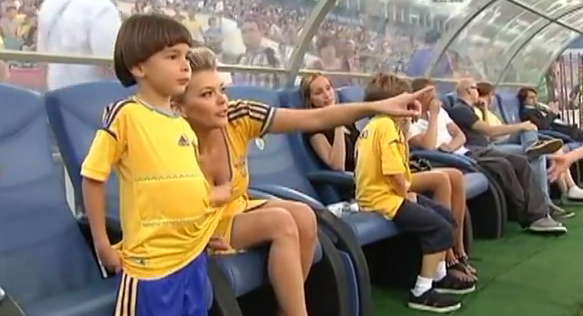 Ukraine pull out all the PR stunts as too cute 6 year old Timur meets Shevchenko & the rest of the national team
