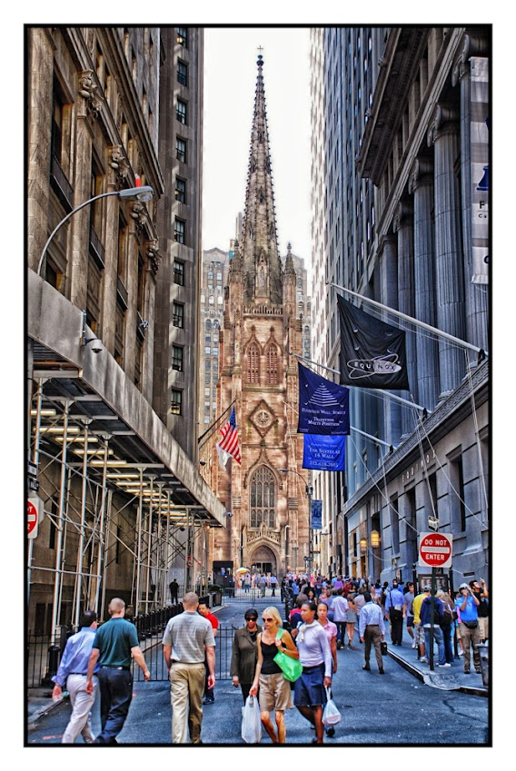 Landmarks, Streets of New York City, street photography, places to visit, tourists and tourism, Trinity Church